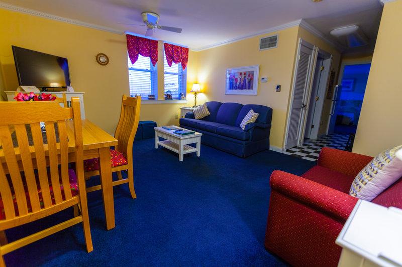 Deluxe One Bedroom Suite The Flanders Hotel